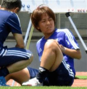 右膝負傷の岩渕真奈選手